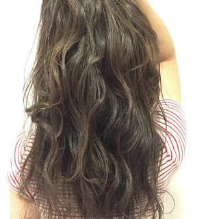 外国人風 暗髪 ストリート ハイライト ヘアスタイルや髪型の写真・画像