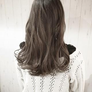 透明感 ブリーチ 外国人風カラー グレージュ ヘアスタイルや髪型の写真・画像