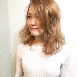 インナーカラー ハイトーン 透明感 ミルクティー ヘアスタイルや髪型の写真・画像