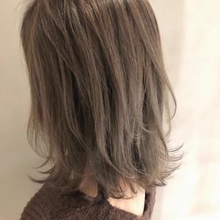 西海岸風 バレイヤージュ 大人かわいい エレガント ヘアスタイルや髪型の写真・画像