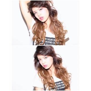 ウェーブ モード グラデーションカラー 外国人風 ヘアスタイルや髪型の写真・画像