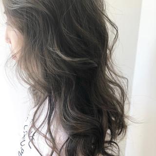 ラベンダーグレージュ ナチュラル 透明感 大人ハイライト ヘアスタイルや髪型の写真・画像