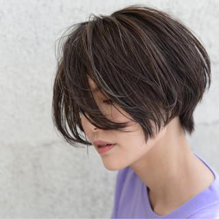 ストリート ショート ブリーチ 外国人風 ヘアスタイルや髪型の写真・画像