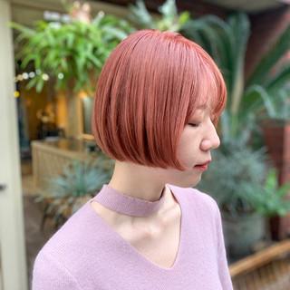 ミニボブ カジュアル ナチュラル ダブルカラー ヘアスタイルや髪型の写真・画像