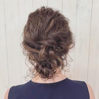結婚式 簡単ヘアアレンジ エレガント アンニュイほつれヘア ヘアスタイルや髪型の写真・画像