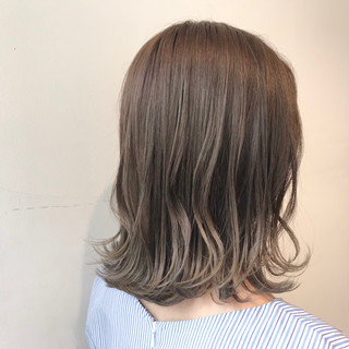 ナチュラル 透明感カラー ミディアム ブリーチなし ヘアスタイルや髪型の写真・画像