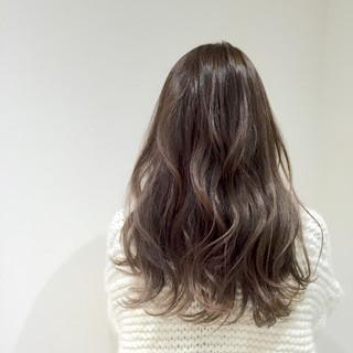 アンニュイ リラックス ナチュラル パーマ ヘアスタイルや髪型の写真・画像