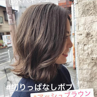 アッシュブラウン アッシュグレージュ アッシュベージュ デート ヘアスタイルや髪型の写真・画像