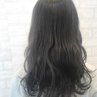 グレージュ 外国人風 デート セミロング ヘアスタイルや髪型の写真・画像