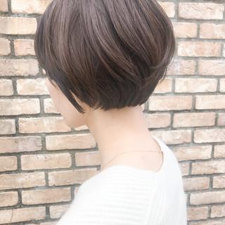 ショートボブ コンサバ ショート オフィス ヘアスタイルや髪型の写真・画像