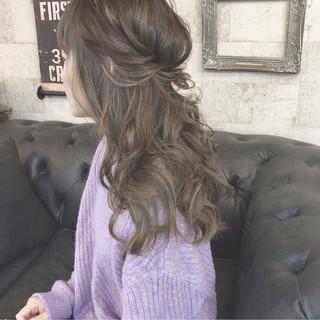 フェミニン ハーフアップ 大人かわいい アンニュイほつれヘア ヘアスタイルや髪型の写真・画像