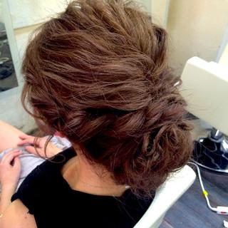 ナチュラル 波ウェーブ ヘアアレンジ ゆるふわ ヘアスタイルや髪型の写真・画像