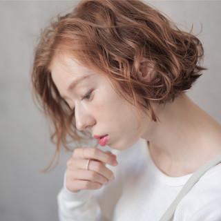 切りっぱなしボブ 透明感カラー ブラウンベージュ ハイライト ヘアスタイルや髪型の写真・画像