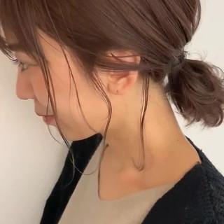 ローポニーテール ポニーテール 簡単 ミディアム ヘアスタイルや髪型の写真・画像