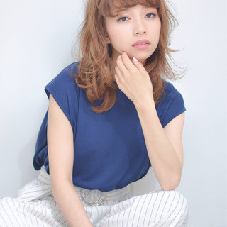 ハイライト 外国人風カラー レイヤーカット ナチュラル ヘアスタイルや髪型の写真・画像