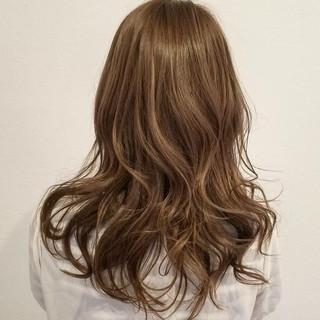 透明感 リラックス ナチュラル 秋 ヘアスタイルや髪型の写真・画像 ヘアスタイルや髪型の写真・画像