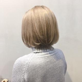ピンクベージュ ラベンダーピンク ミルクティーベージュ ボブ ヘアスタイルや髪型の写真・画像