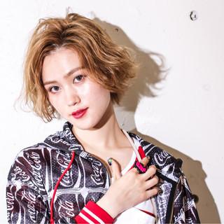 ショート ハイライト ヘアアレンジ ガーリー ヘアスタイルや髪型の写真・画像