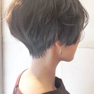 オフィス ナチュラル ショート ヘアスタイルや髪型の写真・画像