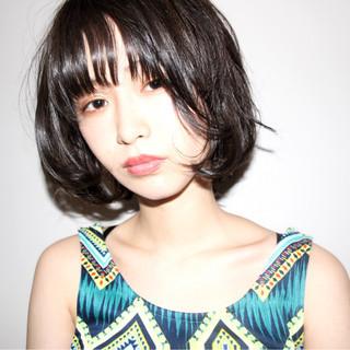 小顔 こなれ感 ボブ アンニュイ ヘアスタイルや髪型の写真・画像