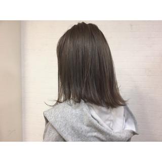 グレージュ ミディアム ボブ 色気 ヘアスタイルや髪型の写真・画像