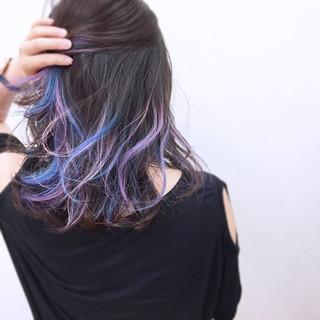 ストリート ウェーブ カラフルカラー 個性的 ヘアスタイルや髪型の写真・画像