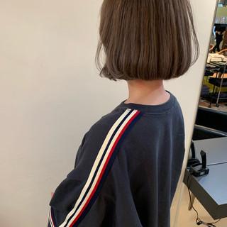 アンニュイほつれヘア アウトドア 大人かわいい ナチュラル ヘアスタイルや髪型の写真・画像 ヘアスタイルや髪型の写真・画像