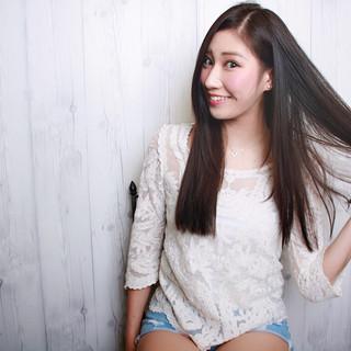 外国人風 艶髪 暗髪 ナチュラル ヘアスタイルや髪型の写真・画像