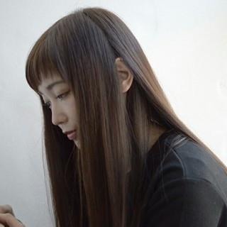 ブラウン ナチュラル ストレート 暗髪 ヘアスタイルや髪型の写真・画像 ヘアスタイルや髪型の写真・画像