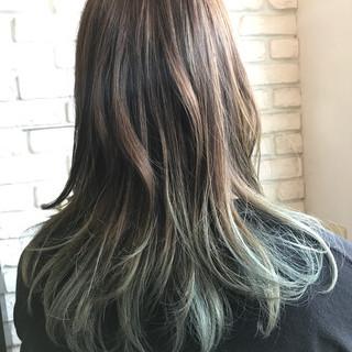 パーマ グラデーションカラー ナチュラル ダブルカラー ヘアスタイルや髪型の写真・画像