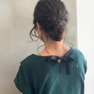ナチュラル シニヨン ヘアアレンジ 編み込み ヘアスタイルや髪型の写真・画像