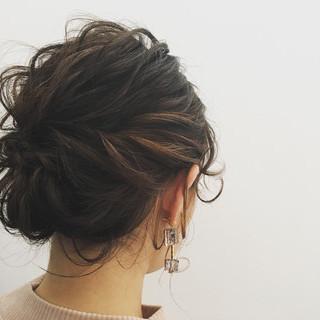 簡単ヘアアレンジ エレガント ミディアム ヘアアレンジ ヘアスタイルや髪型の写真・画像