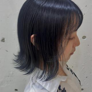アッシュグレー ネイビー スモーキーアッシュ ネイビーブルー ヘアスタイルや髪型の写真・画像