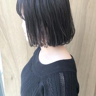 ハンサムショート 切りっぱなしボブ 外ハネボブ ナチュラル ヘアスタイルや髪型の写真・画像