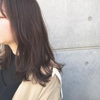 前髪 ミディアムレイヤー ミディアム 前髪パッツン ヘアスタイルや髪型の写真・画像
