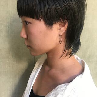 ショートヘア モード 切りっぱなしボブ ウルフカット ヘアスタイルや髪型の写真・画像