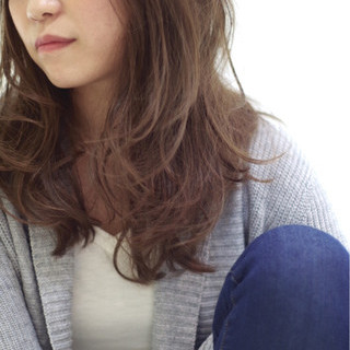 セミロング 外国人風 暗髪 大人かわいい ヘアスタイルや髪型の写真・画像