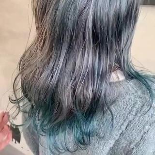 ブルーアッシュ ブルーグラデーション 個性的 ブルー ヘアスタイルや髪型の写真・画像
