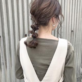 簡単ヘアアレンジ ナチュラル お呼ばれヘア カジュアル ヘアスタイルや髪型の写真・画像