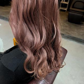 セミロング ナチュラル ピンクベージュ 透明感カラー ヘアスタイルや髪型の写真・画像