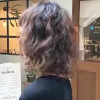 ミディアム ウェーブ パーティ 大人かわいい ヘアスタイルや髪型の写真・画像