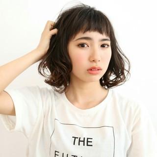 前髪あり 大人かわいい パーマ 暗髪 ヘアスタイルや髪型の写真・画像