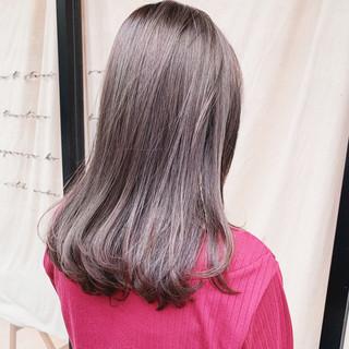 グレージュ アッシュグレージュ 韓国ヘア ラベンダーグレージュ ヘアスタイルや髪型の写真・画像