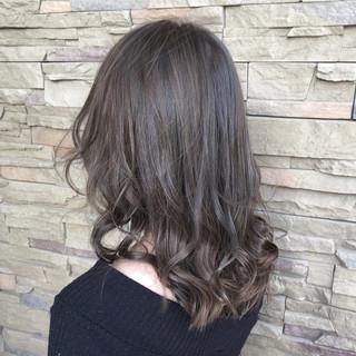 アウトドア コンサバ 透明感 秋 ヘアスタイルや髪型の写真・画像