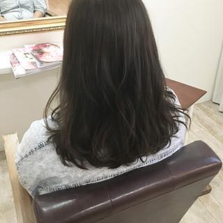 スモーキーアッシュ 艶髪 大人女子 ロング ヘアスタイルや髪型の写真・画像 ヘアスタイルや髪型の写真・画像