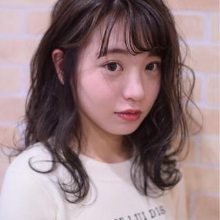 ヘアアレンジ フェミニン ミディアム アンニュイほつれヘア ヘアスタイルや髪型の写真・画像