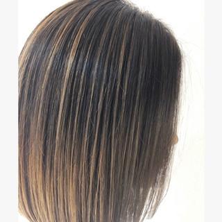 グレージュ ヘアアレンジ ハイライト バレイヤージュ ヘアスタイルや髪型の写真・画像