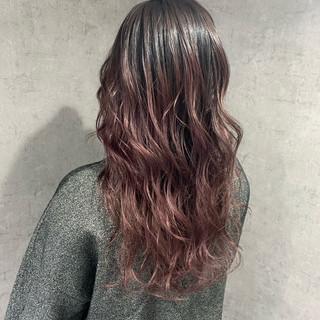 ピンクパープル グラデーションカラー ロング ラベンダーピンク ヘアスタイルや髪型の写真・画像