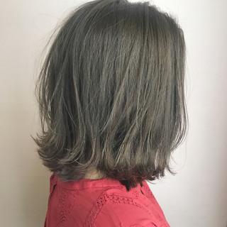 グレージュ ナチュラル 透明感 秋 ヘアスタイルや髪型の写真・画像