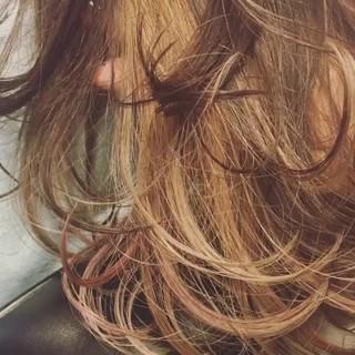外ハネ 黒髪 ハイライト 暗髪 ヘアスタイルや髪型の写真・画像